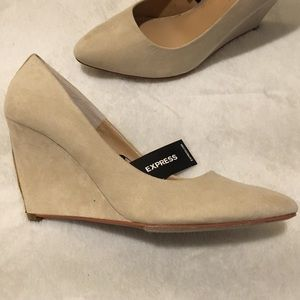 EXPRESS Nude Wedges